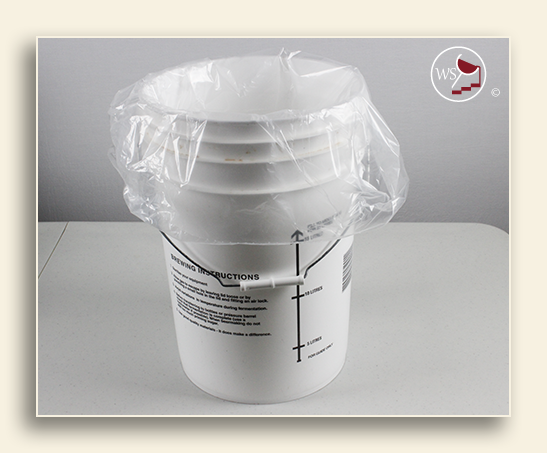 Image of a 5 gallon food grade pail liner